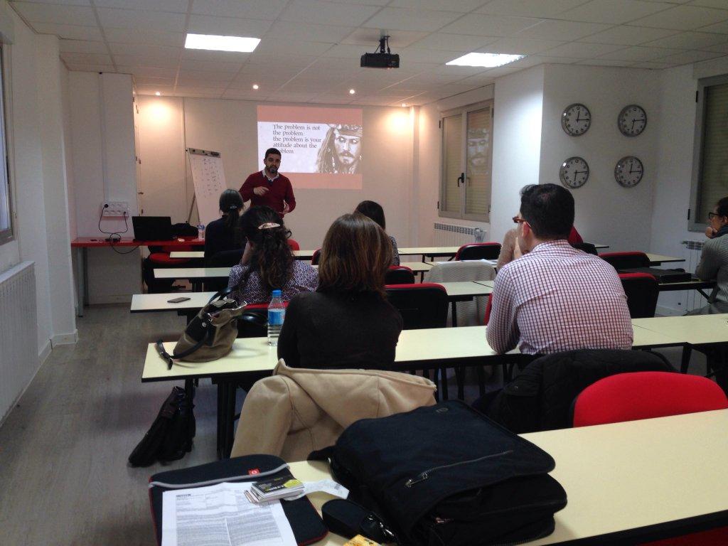 Frankie Carrero hablando sobre Personalización y marketing in-site con Frankie Carrero