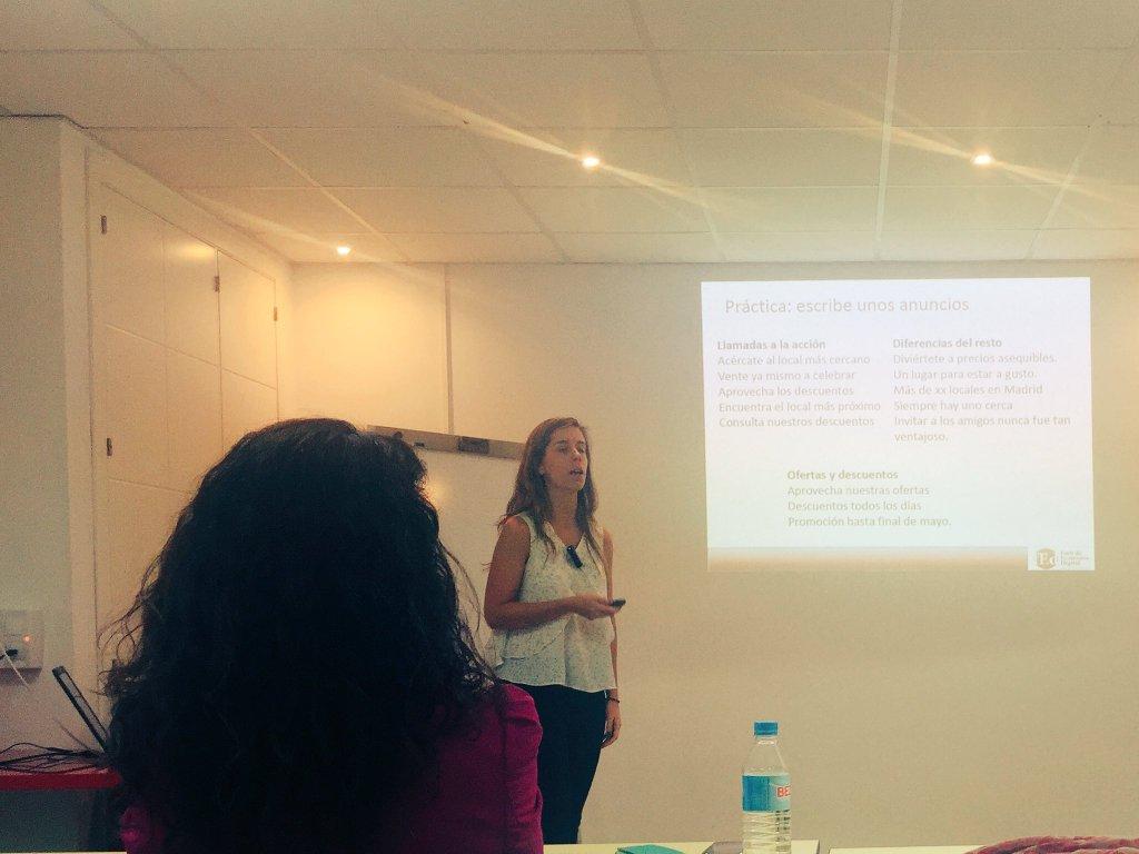 Ana Faba hablando sobre SEM y Adwords en la 7ª Edición del Máster en Dirección eCommere